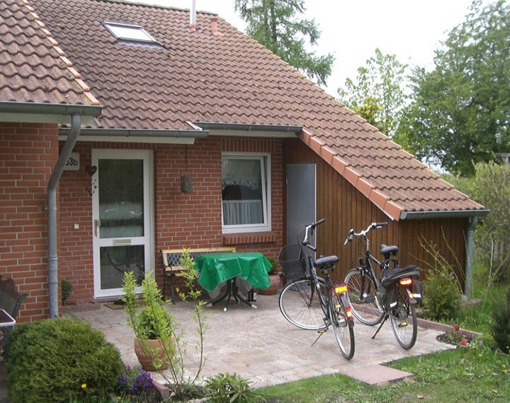 Fahrradschuppen (rechts)